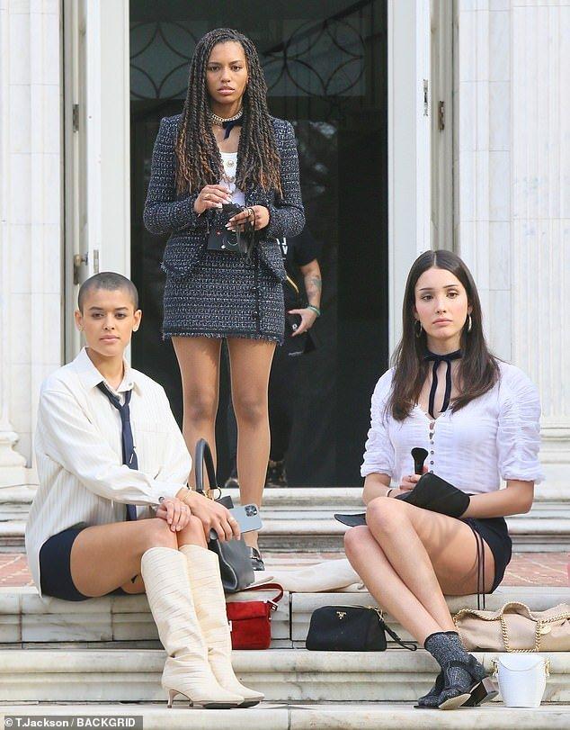 Gossip Girl's Jordan Alexander, Savannah Smith, and Zión Moreno go for school-girl chic in NYC – Culture – ReadSector